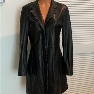 Long lined leather-jacket w/white stitching trim